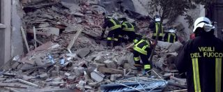 """Gorizia, esplode una palazzina di due piani: """"Fuga di gas"""". Due morti, una terza persona è ancora dispersa"""