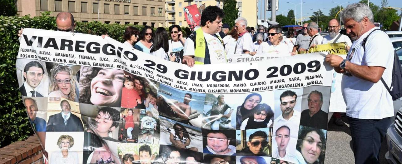 """Strage Viareggio, familiari delle vittime: """"Imputati dicono di voler fare un gesto forte? Rinuncino al ricorso in Cassazione"""""""