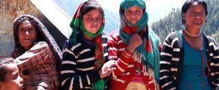 Nepal, la festa delle donne del villaggio di Ripi che si sono ribellate all'esilio per le mestruazioni – video