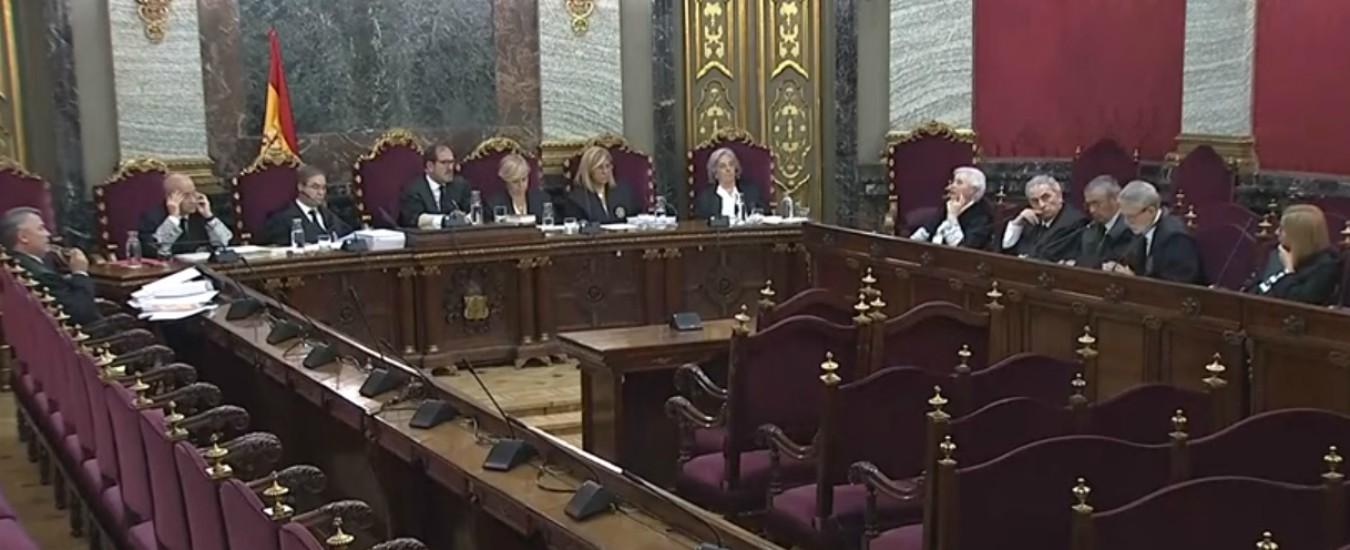 """Pamplona, """"fu stupro di gruppo, non abuso sessuale"""": branco condannato a 15 anni per violenze su 18enne"""