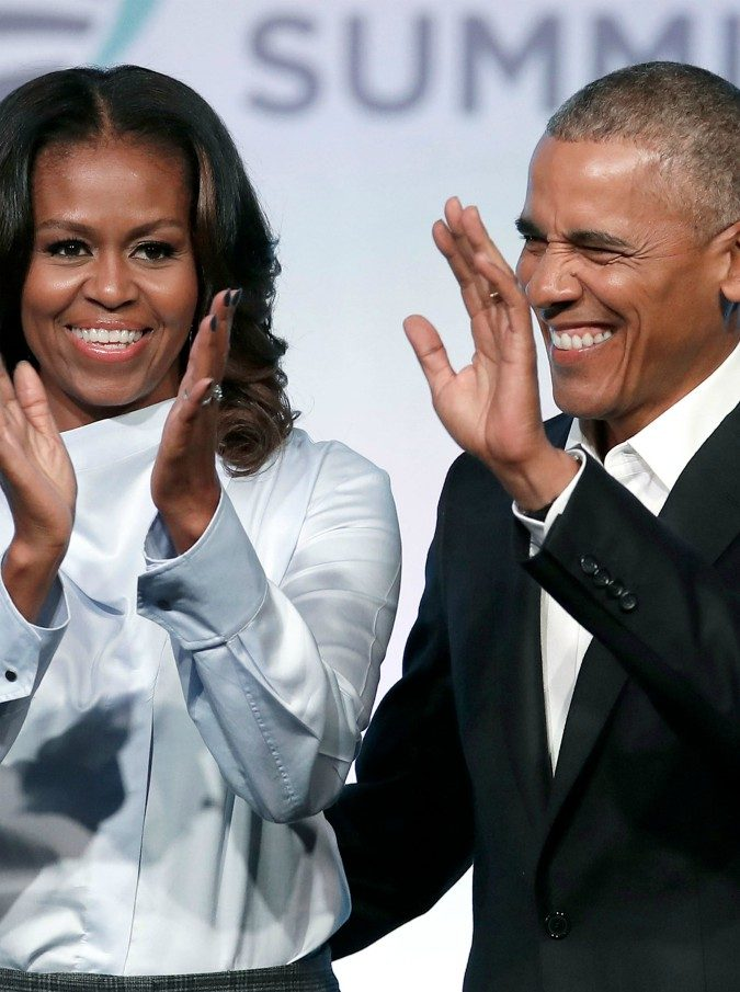 """Barack Obama torna in Italia e fa visita a George Clooney sul Lago di Como. Sindaco: """"Per noi opportunità turistica"""""""