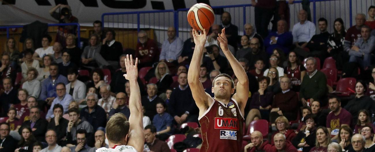 Basket, Venezia è campione d'Italia: la Sassari di Pozzecco divorata in gara-7