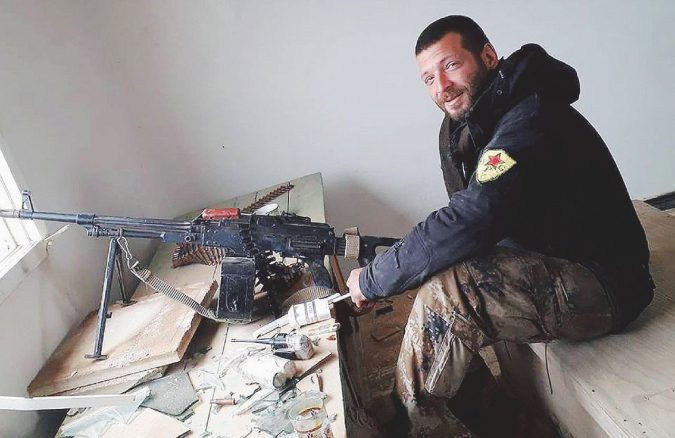 Gli anarchici e i monaci salutano Orso, ucciso mentre combatteva in Siria