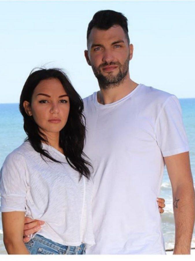 """Temptation Island 2019, tre coppie già in crisi. Andrea e Jessica dovevano sposarsi ma sono ai ferri corti: """"Ne ho viste troppe, mi fai schifo"""""""