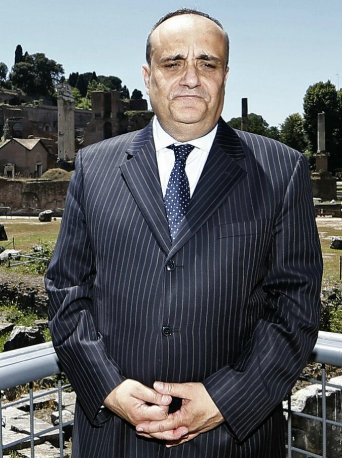 """Alberto Bonisoli, il ministro della Cultura: """"Se ho letto il libro di Di Battista? Ho altre priorità. I 5 finalisti dello Strega? Nemmeno"""""""
