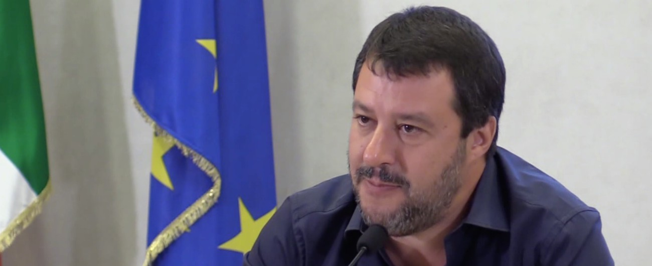 """Governo, Salvini: """"Autonomia domani in Consiglio dei ministri. Tav leggera? A me piacciono treni che corrono"""""""