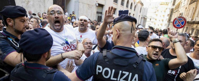 """Whirlpool, Di Maio incontra azienda e sindacati: """"Avute conferme importanti"""". Società: """"Non chiudiamo Napoli"""""""