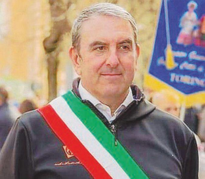 """Si dimette il primo sindaco 5stelle del Piemonte. Di Maio: """"Clima difficile in maggioranza"""""""
