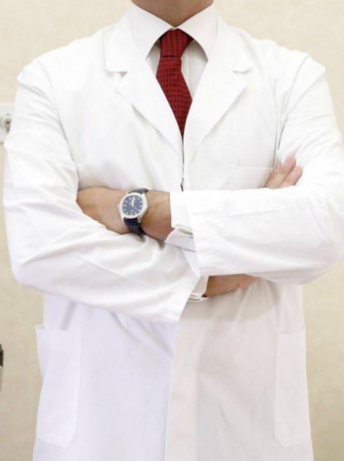 """Ginecologo usa il suo sperma per mettere incinte decine di donne: """"Cercavano un rimedio alla sterilità"""""""