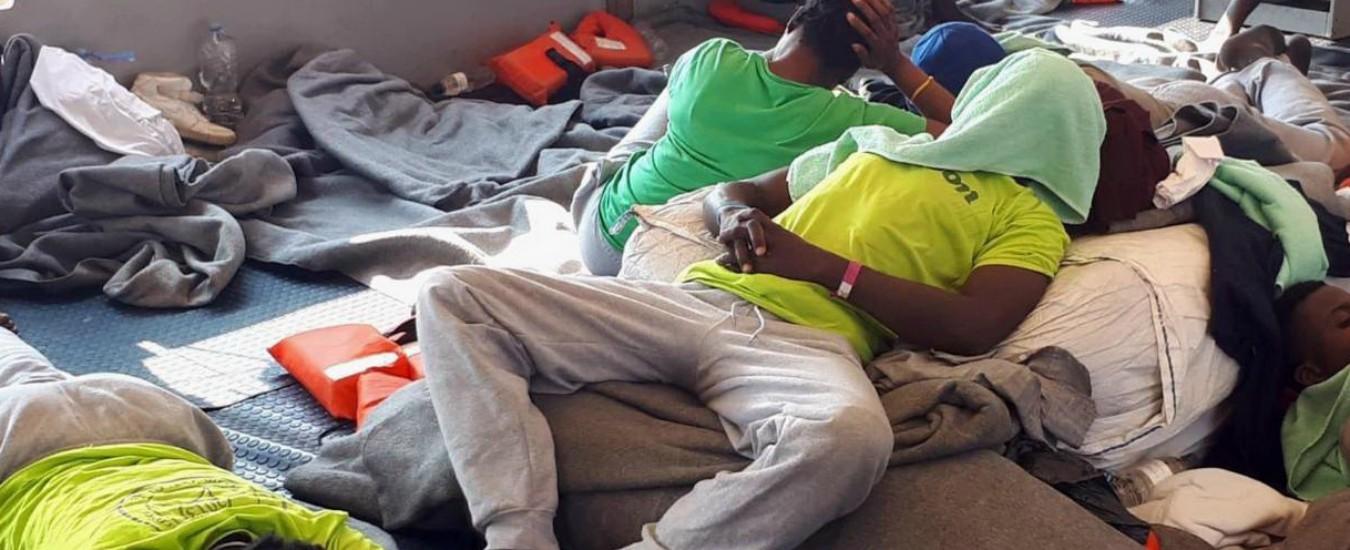 """Sea Watch, le testimonianze dei migranti all'equipaggio: """"In Libia sole torture"""""""