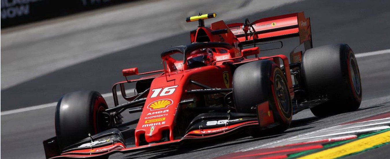 F1 Gp d'Austria, la Ferrari di Leclerc in pole. Penalità a Hamilton, Vettel ancora più indietro: tutta la griglia di partenza