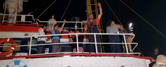 Sea Watch, a bordo sono tutti pagati. Non ci sono più i radical chic di una volta