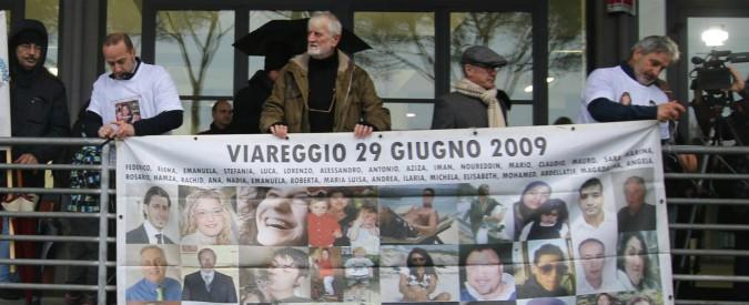 """Strage di Viareggio dieci anni dopo, Mattarella: """"Evento inaccettabile"""". Toninelli: """"Via il cavalierato a Moretti"""""""