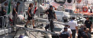 """Sea Watch, diffusa la foto segnaletica di Carola Rackete: indagine della questura di Agrigento. Pd attacca: """"Salvini chiarisca"""""""