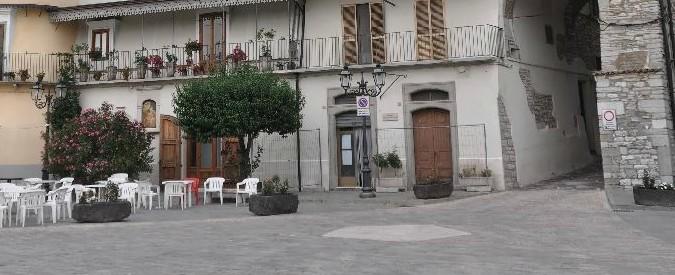 """Puglia, uno dei Borghi più belli d'Italia senza linea telefonica né internet da 4 giorni: """"Siamo isolati e abbandonati"""""""