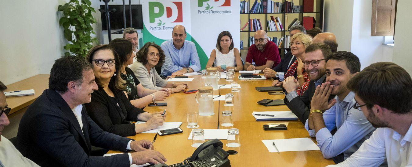 """Libia, il Pd si spacca su Minniti (assente come Gentiloni e Zingaretti). Assemblea: """"Rischiamo di votare l'uno contro l'altro"""""""