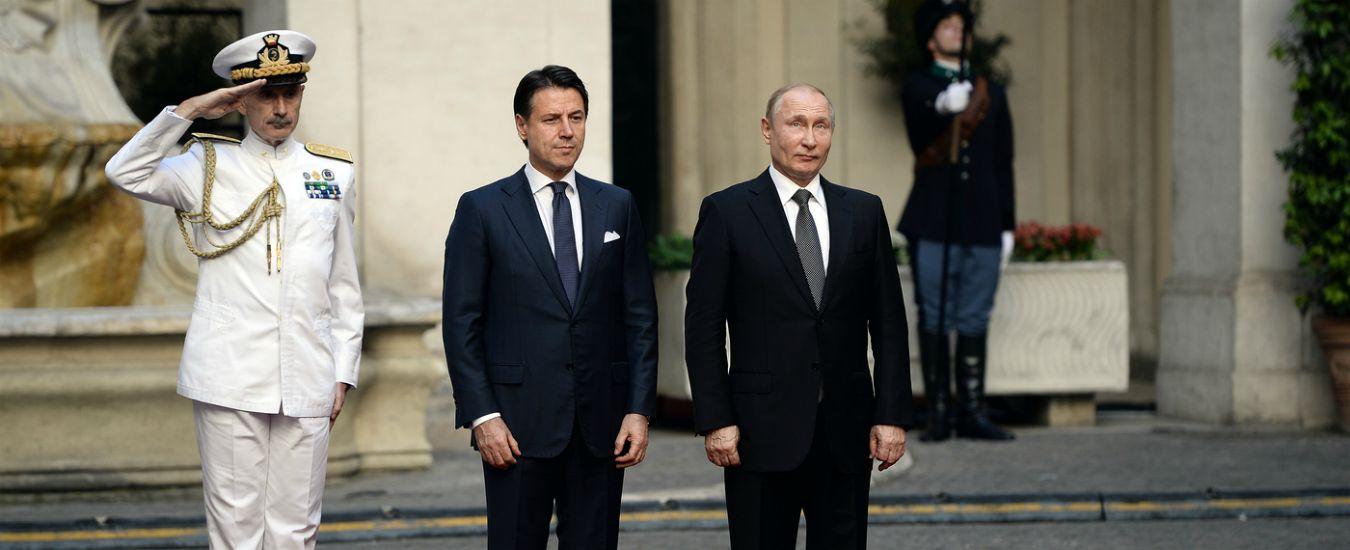 """Libia, Putin: """"Con l'Italia per arrivare al cessate il fuoco. Nato ha distrutto la stabilità, ora deve riparare"""""""