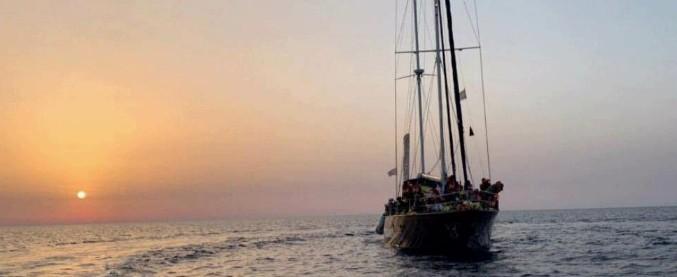 Mediterranea, armatore: 'Nel salvataggio i libici ci hanno intimato l'alt, l'abbiamo ignorato'. L'Alan Kurdi verso Lampedusa
