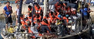 """Mediterranea, il capitano della nave Alex: """"Un agente piangeva mentre controllava i documenti. Un altro ci ha ringraziato"""""""