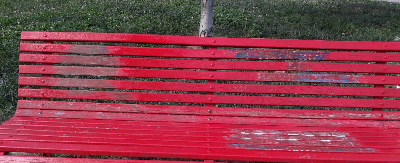 """Milano, oltraggiata per la seconda volta la panchina in memoria delle donne deportate. Anpi: """"Colpito un simbolo"""""""