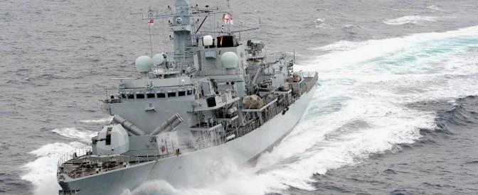 """Iran, navi dei Pasdaran tentano di sequestrare una petroliera britannica. Regno Unito: """"Siamo preoccupati"""""""