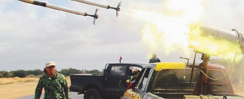 """""""Missili ai ribelli libici"""": la Francia è sotto accusa"""