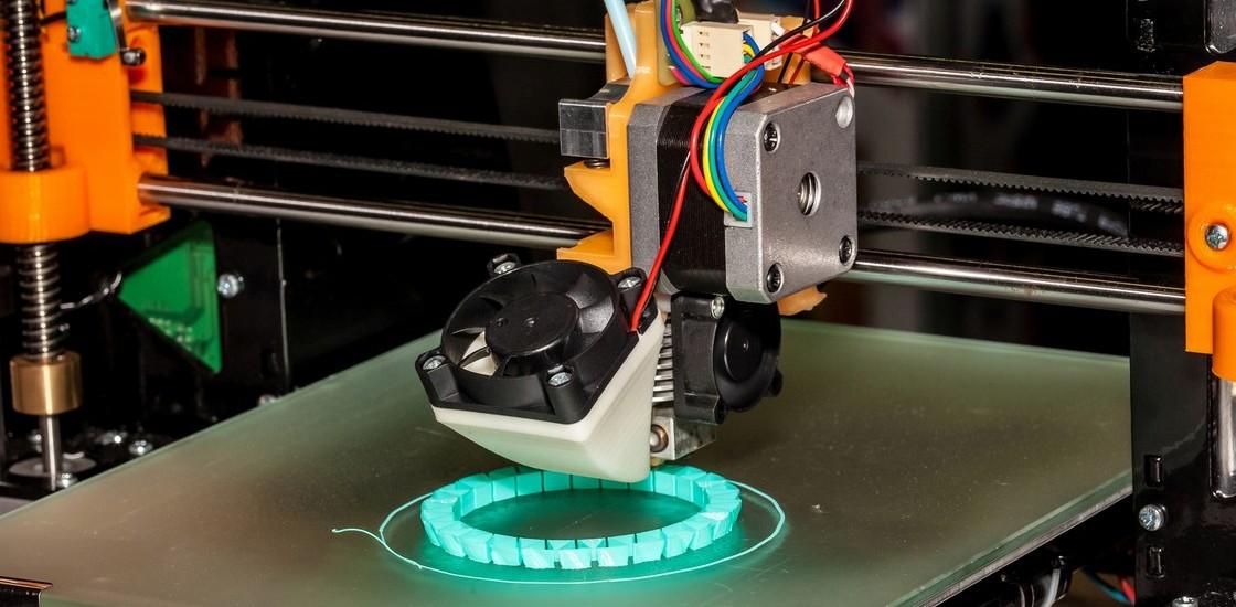 Il robot che stampa parti di robot potrebbe essere il futuro dell'automazione