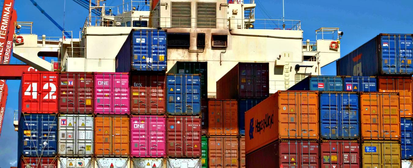 Commercio estero, Istat: a maggio le esportazioni crescono dell'8% annuo