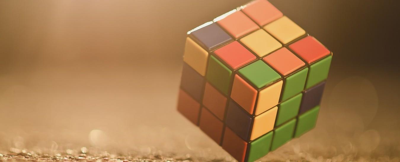 Intelligenza Artificiale autodidatta risolve il cubo di Rubik senza istruzioni