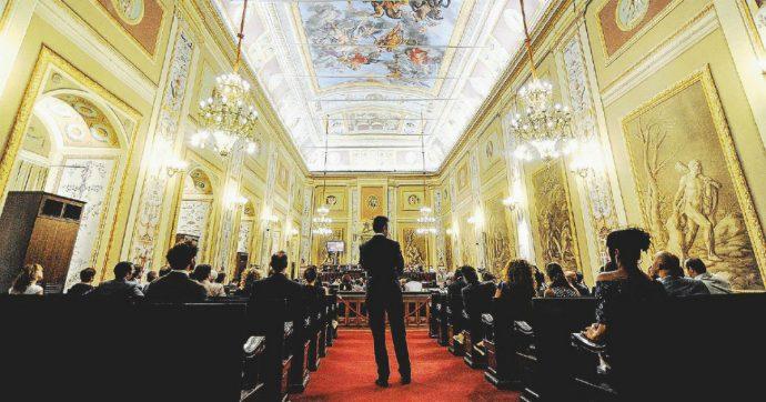 """Sicilia, torna la maxi mancia della Regione: 29 milioni di euro a teatri, sagre e musei del vino. Micciché: """"Legge da approvare anche di notte"""""""