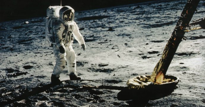 È (quasi) ufficiale: c'è acqua sulla Luna. Ma la vera questione è cosa farne