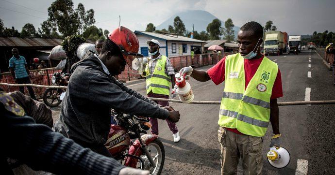 """Ebola, Oms: """"Emergenza internazionale per la salute pubblica"""". Msf: """"Basta ad azioni mirate in RDC, servono vaccinazioni di massa"""""""