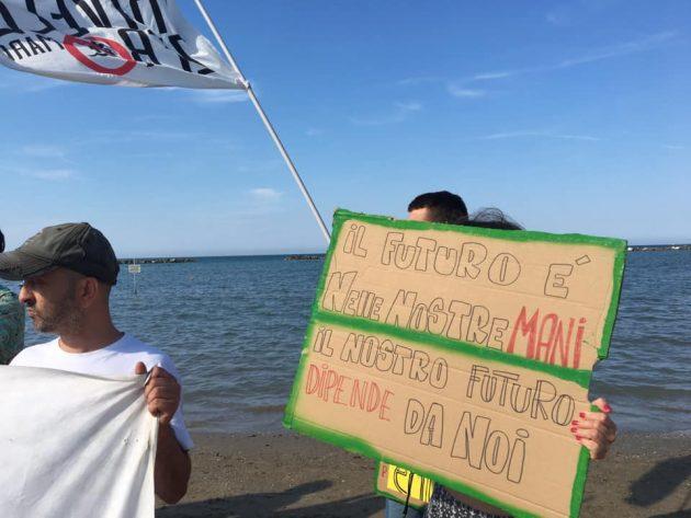 Grandi opere, la protesta lungo la costa adriatica per la gi