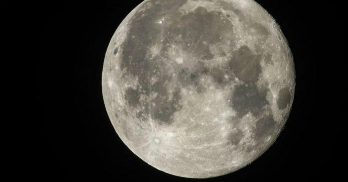 """La Luna """"conserva"""" frammenti del pianeta che la generò dopo un impatto"""