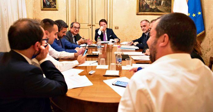 Sondaggi, Conte è il leader più gradito. Il governo aumenta il proprio consenso: 54%