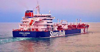 """Iran, spunta audio tra Teheran e petroliera britannica. """"Vogliamo fare ispezione, obbedite e sarete salvi"""". Royal Navy: """"È illegale"""""""