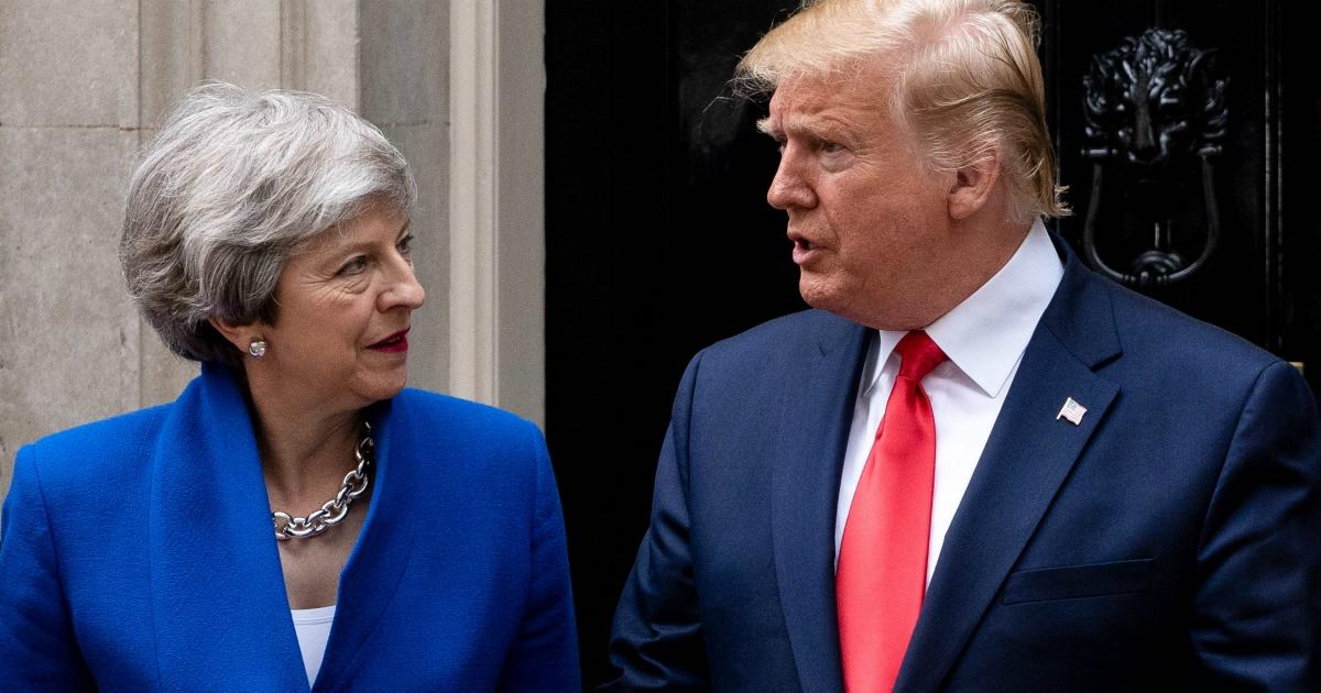 Brexit, la sterlina scivola. Lasciare l'Ue costa (anche senza l'euro)
