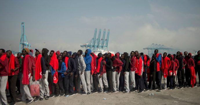 """Migranti, torturati e tenuti prigionieri in Libia: tre fermati a Messina. I testimoni: """"Stupravano le donne e ci davano da bere acqua del mare"""""""