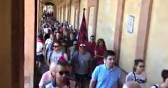 Bologna, il gesto dei tifosi per sostenere Mihajlovic: la lunga coda sulla strada per il Santuario di San Luca
