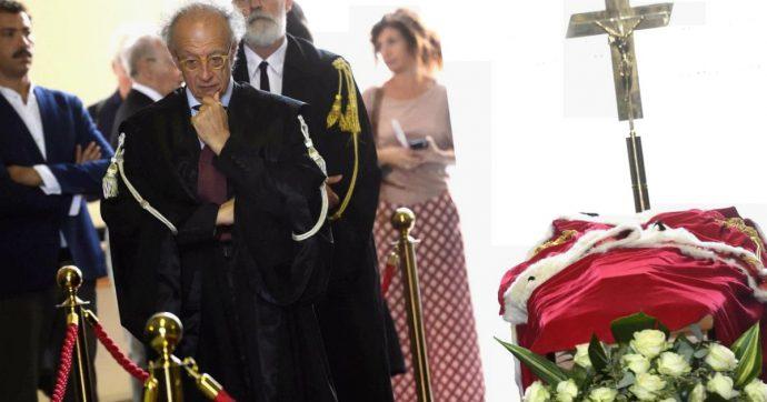 """Gherardo Colombo: """"Il 'resistere' di Borrelli era un invito a rivolgersi alla Costituzione. Tangentopoli è finita, non la corruzione"""""""
