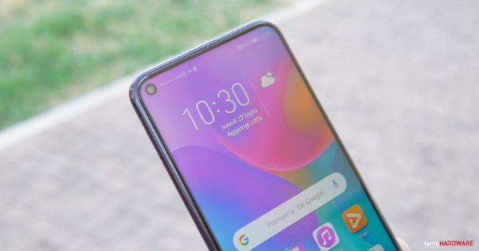 Smartphone Honor 20 Pro offre buone prestazioni e autonomia, ma lo schermo poteva essere migliore