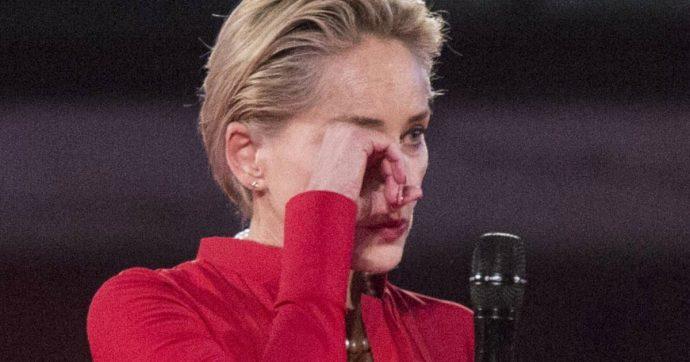 """Sharon Stone: """"Sono stata colpita da un fulmine mentre stavo stirando, mi ha sbattuta dall'altra parte della cucina"""""""