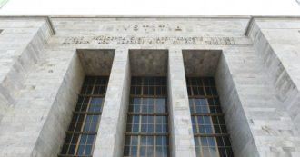 """Fondi Lega, l'ex direttore di banca ai pm: """"Operazioni senza ragioni economiche mai viste prima in 30 anni di lavoro"""""""