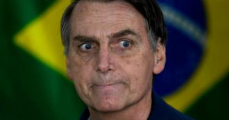 """Amazzonia in fiamme, il Brasile rifiuta l'aiuto del G7. Bolsonaro contro Macron: """"Non siamo colonia"""""""