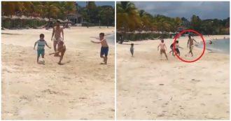 """""""C'è un signore che gioca con mio figlio"""". La sorpresa della mamma in spiaggia: è Lionel Messi"""