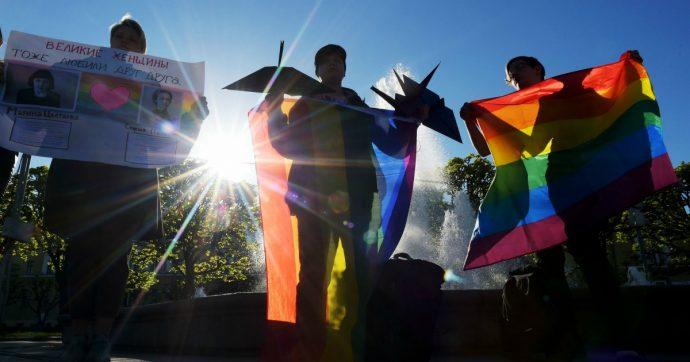 L'omofobia ha una dimensione privata ma coinvolge tutti: in Italia è ancora 'Caccia all'omo'