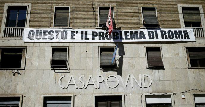 """Casapound, blitz della Raggi in sede: """"Rimuovete l'insegna"""". Ma il M5S alla Camera boccia la mozione Pd per lo sgombero"""
