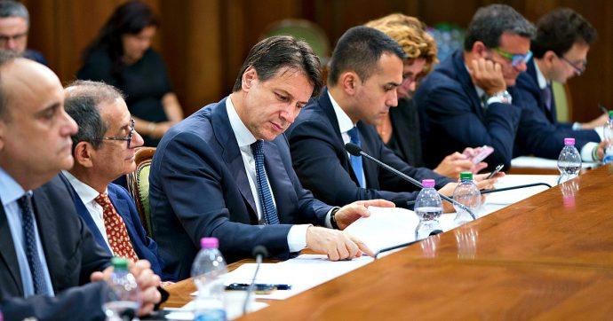 """Manovra, Conte incontra le parti sociali: """"Cominciano i lavori"""". M5s propone taglio del cuneo fiscale di 4 miliardi. Lega: """"Non basta"""""""