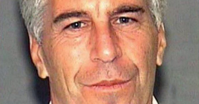 New York, trovato ferito in cella il miliardario Epstein: è accusato di traffico e sfruttamento sessuale di ragazze minorenni