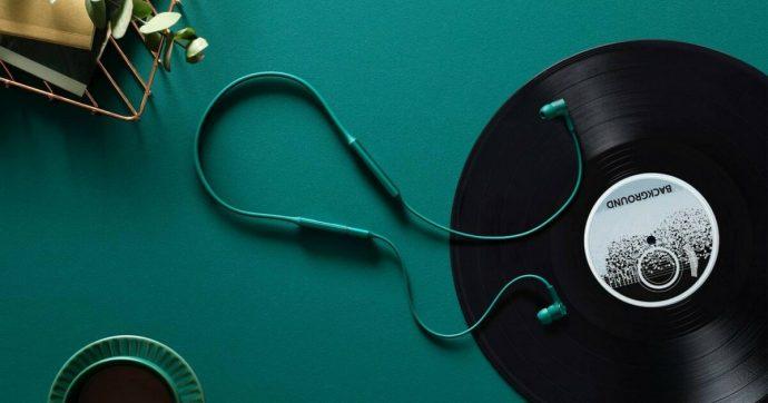 Gli auricolari Huawei FreeLace promettono 18 ore di autonomia e facile connessione allo smartphone